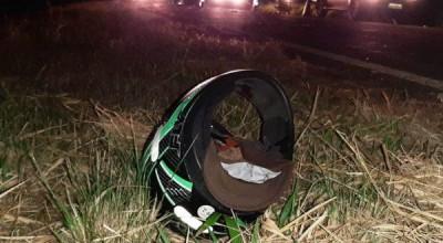Motoqueiro acerta ciclistas na BR-174 e três pessoas são levadas ao HR em Vilhena