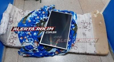 Rolim de Moura – Durante a madrugada, PM recebe denúncia de que três pessoas carregavam uma TV enrolada em um colchão no Bairro Olímpico; um suspeito foi conduzido à UNISP