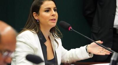 Anvisa terá 72 horas para liberar medicamentos já reconhecidos no exterior, garante PL de Mariana aprovado na Câmara