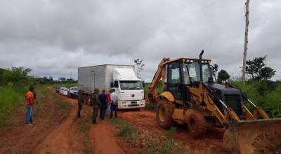 Caminhão com 300 caixas de frango é apreendido em Nova Mamoré, RO