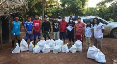 Para evitar desabastecimento de aldeias, ONG arrecada alimentos para famílias indígenas de RO