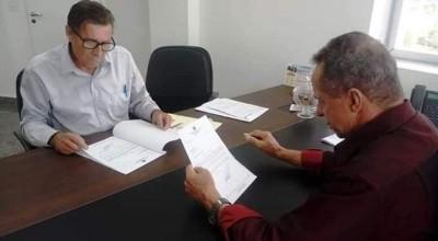 Vereador Chico do Sindicato solicita emenda para aquisição de ambulância para Rolim de Moura