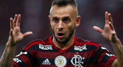União Cacoalense irá leiloar camisa do jogador Rafinha do Flamengo em live