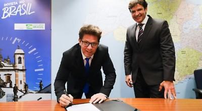 Ator Mario Frias toma posse como secretário especial da Cultura