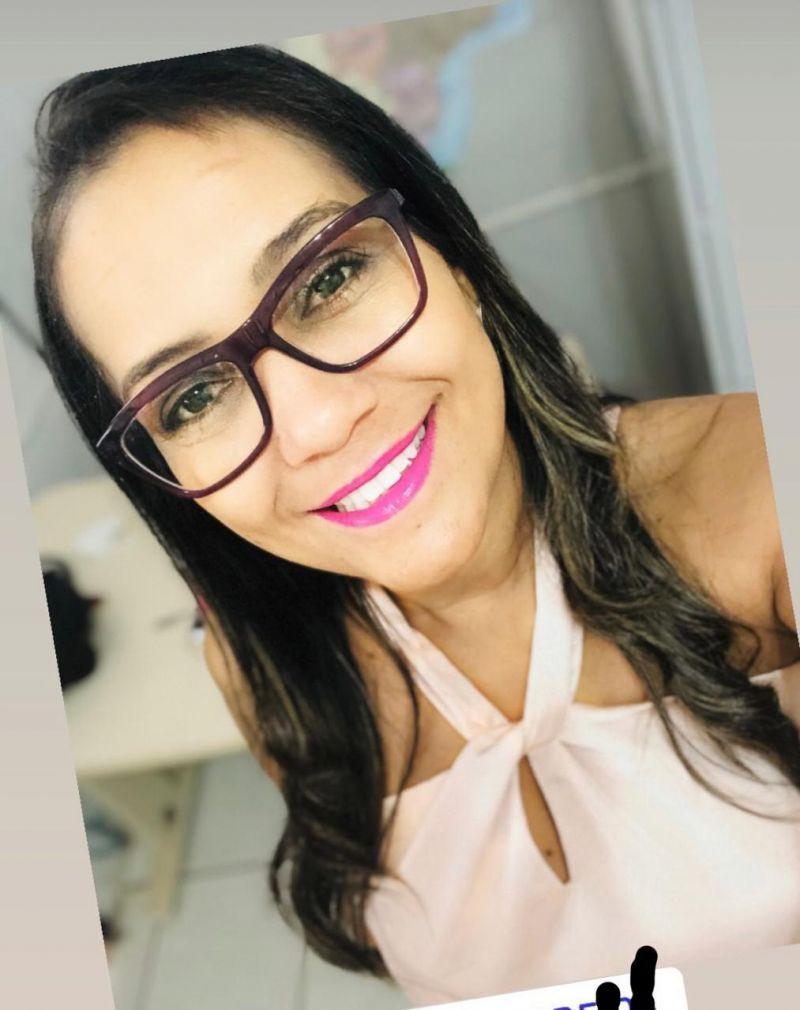 Editorial Resiliência por Valdineia Alves Martins