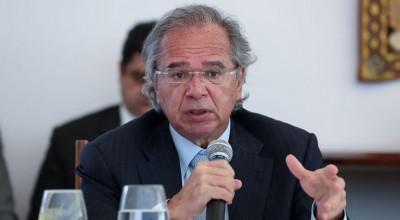 Auxílio emergencial deve ser dado enquanto durar a crise disse Guedes