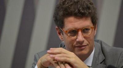 Ministro do Meio Ambiente, Ricardo Salles faz licitação de R$ 1 milhão para carros blindados