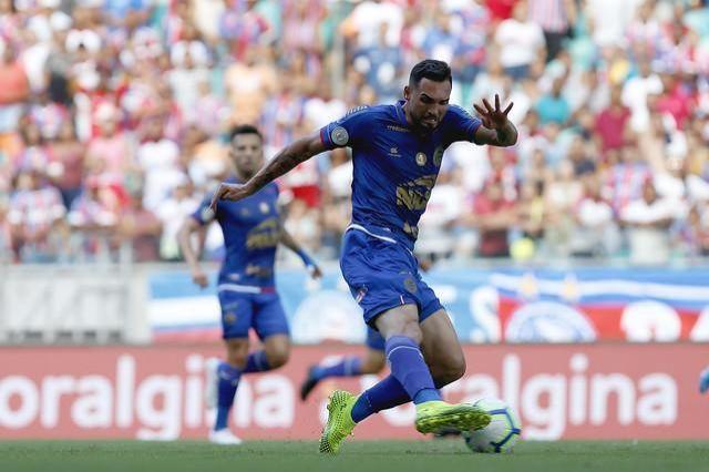 Presidente  Bolsonaro altera direitos de transmissão em jogos de futebol
