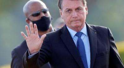 Bolsonaro diz estar com 'mofo no pulmão' e que está tomando antibiótico
