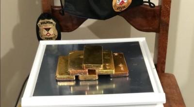 Homem é preso transportando barras de ouro