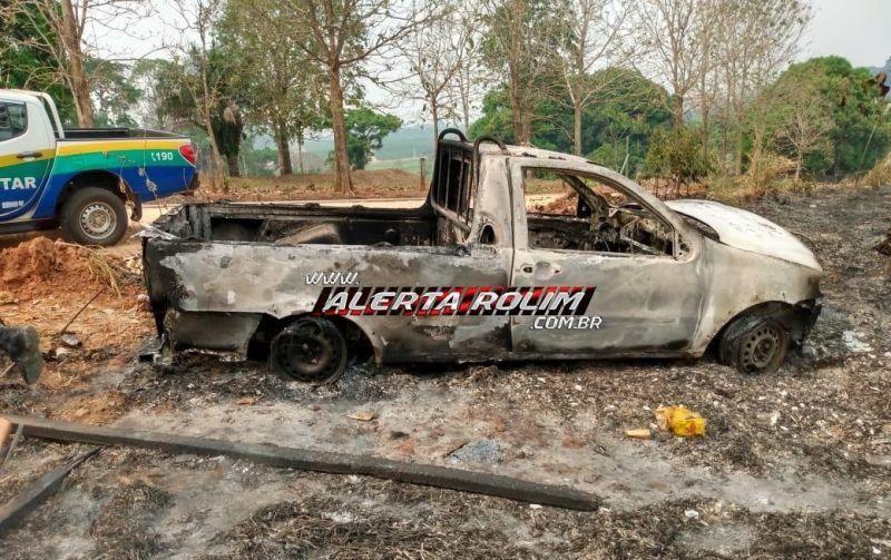 Nova Brasilândia: Caminhonete carregada com bebidas é encontrada totalmente queimada na margem da RO-010 com a Linha 138