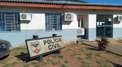 Dois jovens e um adolescente são detidos, acusados de tentar matar homem em praça pública