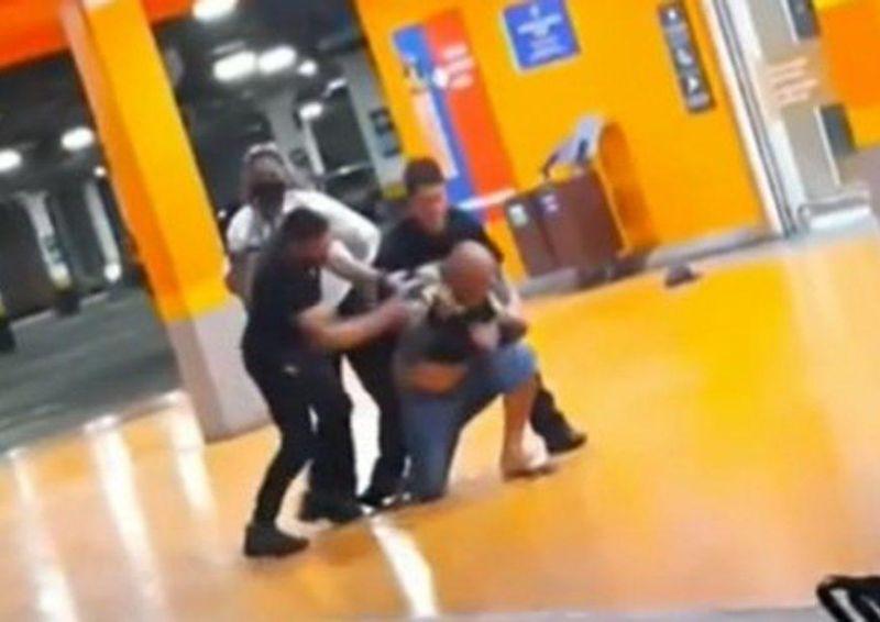 Homem é espancado e morto por seguranças em shopping