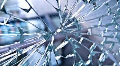 Menina de 4 anos morre após cair sobre prato de vidro