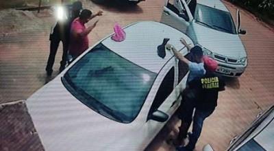 Bandidos usam uniforme da Polícia Federal e levam 90 mil reais durante assalto em Guajará-Mirim