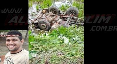 Caminhoneiro de Rolim de Moura morre após caminhão tanque capotar na BR-364