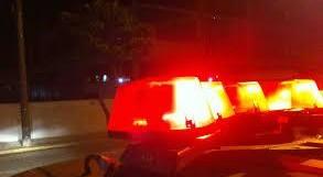 Dupla efetua roubo em comércio no Centro de Rolim de Moura; PM apreendeu no Cidade Alta a moto usada no crime