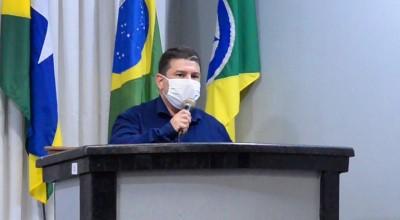 Fabrício Melo desmente fake News postada em rede social