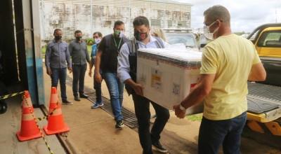Governo de Rondônia monta operação para distribuir vacinas da Oxford às Regionais de Saúde em menos de seis horas