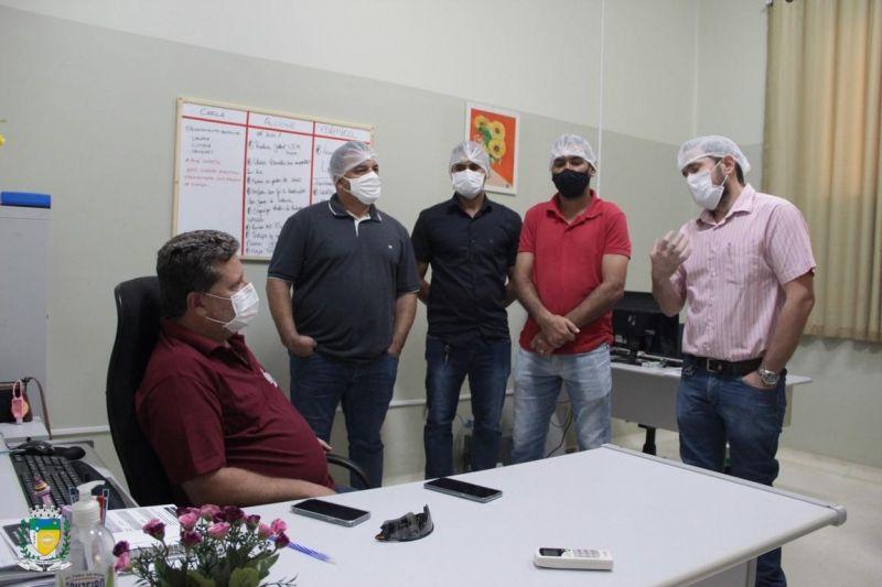 Vereadores se reuniram com dirigente do centro de diálise de Cacoal, eles foram conhecer de perto a realidade da clínica
