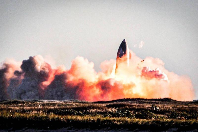 Foguete da SpaceX explode em aterrissagem