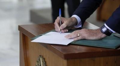 Governo altera decretos para ampliar acesso a armas