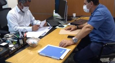 Prefeito Aldo Júlio busca parcerias com o secretário de estado da educação