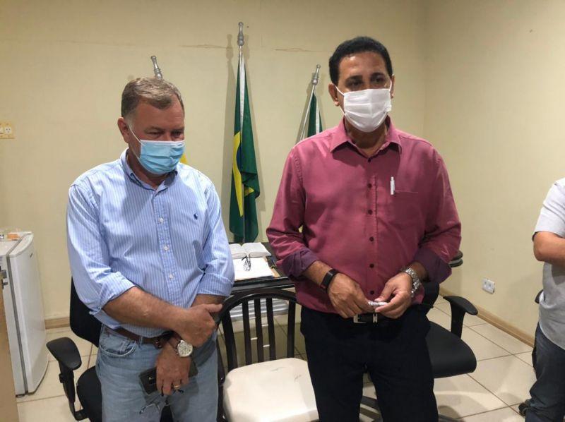 Prefeito Aldo Júlio recepciona Deputado Federal Lúcio Mosquini e solicita ambulância com UTI e maquinários para obras