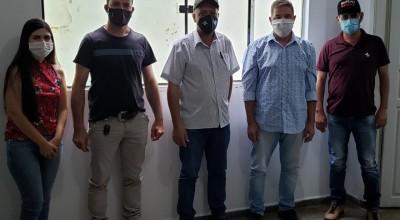 Secretários de Nova Brasilândia e São Felipe visitam secretaria de agricultura em Rolim