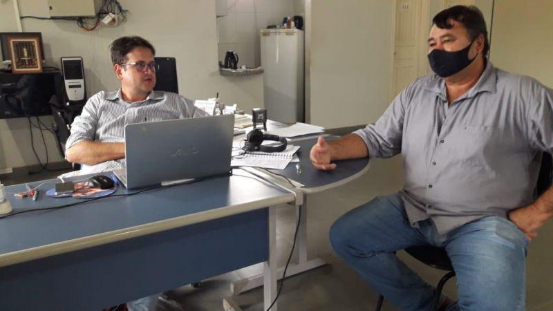 Vereador Eliomar Monteiro visita construtora em busca de informações sobre asfalto para Nova Estrela