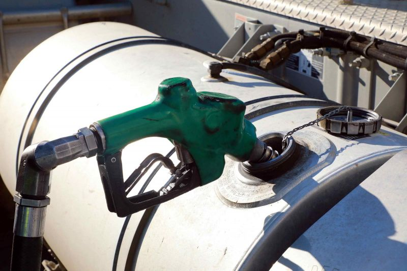 Bolsonaro zera PIS e Cofins do diesel e do gás