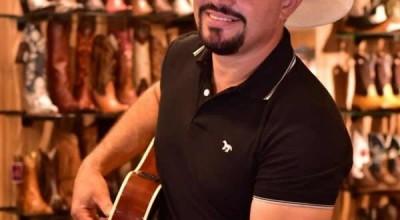 Cantor Márcio Santtóro Realiza Show Solidário