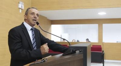 Lazinho da Fetagro quer proibição de pulverização aérea de agrotóxicos no Estado