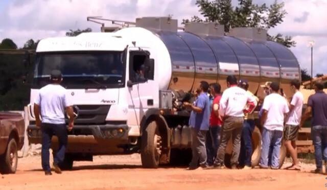 Preço referencial do leite apresentado pelo Conseleite não agrada a produtores, e greve continua
