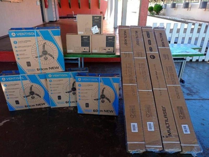 RO: Governo entrega novos equipamentos às escolas estaduais da Zona da Mata