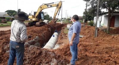 Vereador Eliomar Monteiro fiscaliza serviços de drenagem da pavimentação asfáltica de Nova Estrela