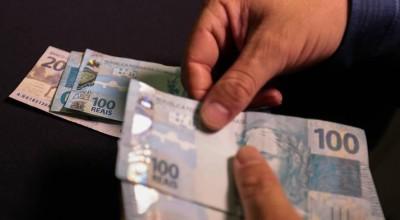 Câmara aprova reajuste de salário mínimo para R$ 1.100