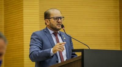 Deputado Cirone Deiró atende reivindicação de moradores para ampliar rede de energia nos bairros de Cacoal