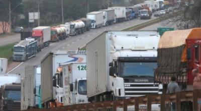 Governo lança programa para ampliar renda de caminhoneiros brasileiros