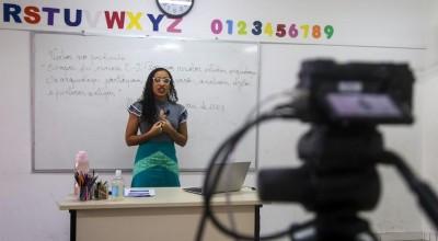 Professores de redes municipais se adaptaram às teconologias