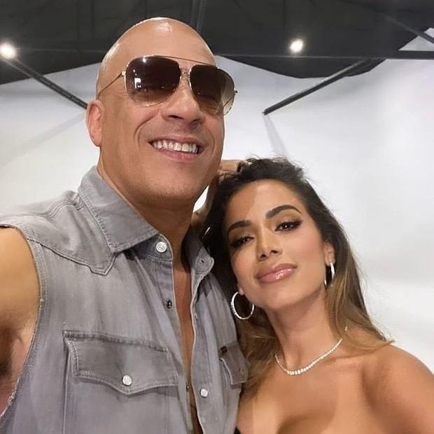 Anitta posa com Vin Diesel