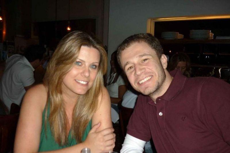 Daiana Garbin aproveita o Dia dos Namorados para publicar foto com Tiago Leifert