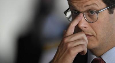 O Ministro do Meio Ambiente, Ricardo Salles pede demissão