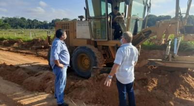 Vereador Eliomar Monteiro comemora recuperação dos travessões na zona rural