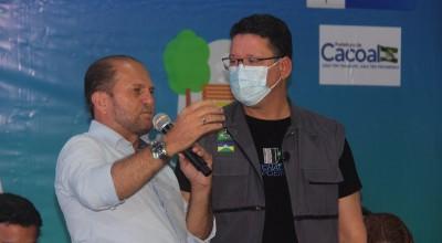 Cirone Deiró participa de assinatura da ordem de serviço para asfaltamento da estrada do Calcário