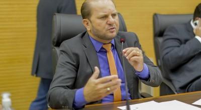 Deputado Cirone Deiró apresentou proposta para o governo realizar REFAZ ambiental