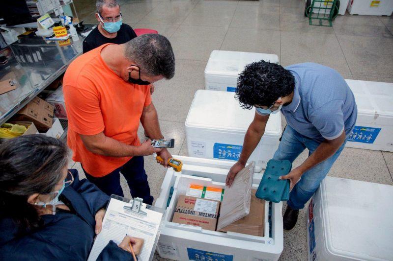 Rondônia recebe nova remessa com 57 mil doses de vacinas contra a covid-19 do Ministério da Saúde