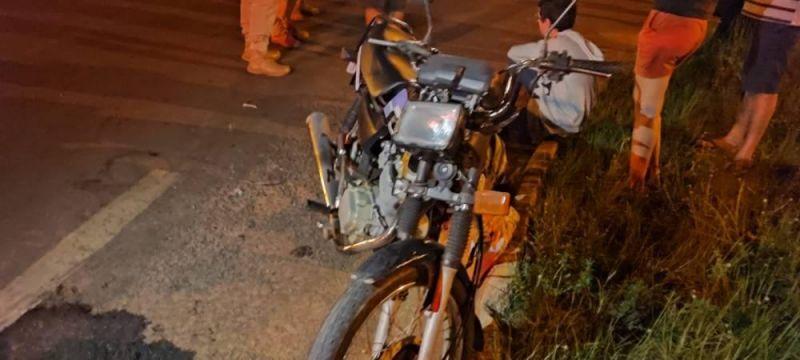 Após batida entre duas motos na BR 174, em Vilhena, mulher de 42 anos morre esmagada por terceiro veículo
