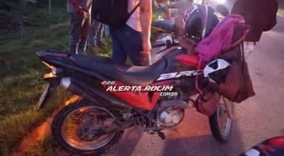 Duas mulheres são socorridas pelo Corpo de Bombeiros após pneu de moto estourar