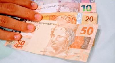 Governo deve anunciar nesta terça-feira Auxílio Brasil no valor de R$ 400